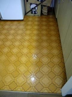 クリーニング後のキレイな床